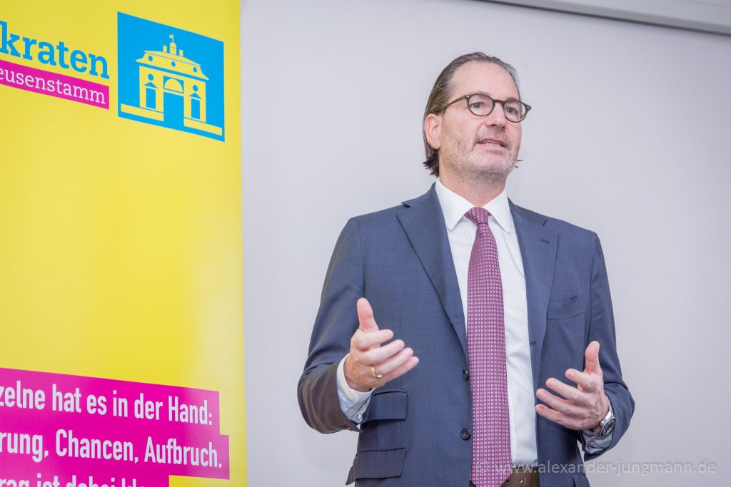 Ernestos Varvaroussis, FDP-Direktkandidat im Wahlkreis 45.