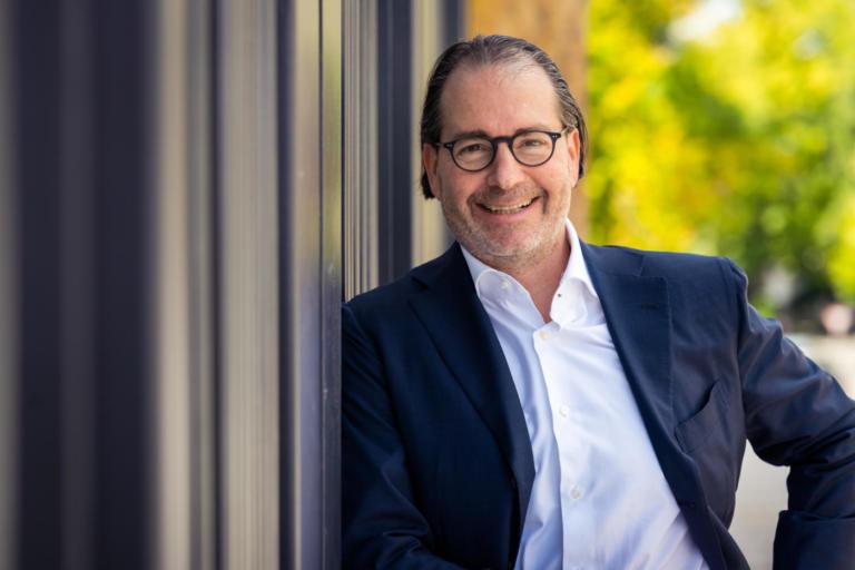 Ernestos Varvaroussis, Direktkandidat des Wahlkreises 45 für den Hessischen Landtag.